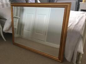BEAUTIFUL GOLD FRAMED MIRROR.