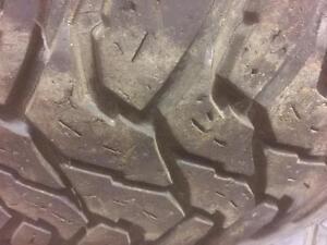 4 pneus d'hiver, LT265/70/17, Trail Master Steel Radial LT, 40% d'usure, 6-8-8-8/32 de mesure.