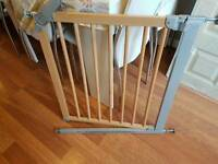 Baby Dan narrow pressure fit safety gate