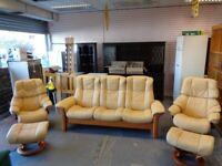 Ekornes Stressless Reclining 5 Piece Suite. Cream leather. Excellent Condition