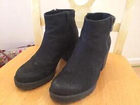 Vagabond black suede boots size 4