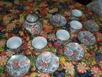 Pottery Set Pot Plates & Cups Colourfull in good clean condition can deliver manchester only