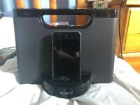Ipod touch 8gb and speaker
