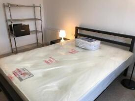 DOUBLE ROOM - CITY CENTRE/DENNISTON