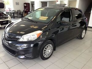 2012 Toyota Yaris LE  66 000KM/TOIT OUVRANT/MAGS