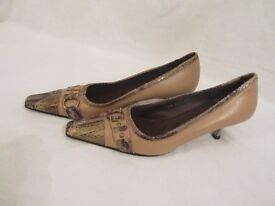 Beige Sandra Vera, low heels *NEVER WORN*