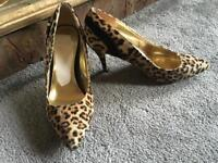 River island ladies heels shoes beige-black size 5/38 used 2 times v,good condition £8