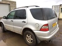 Mercedes Benz ml270cdi auto breaking 2001 year parts available