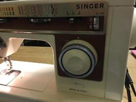 Singer sewing machine Portable sewing machine , fully working, fully serviced, immaculate condition,