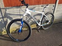 CBoardman TXC650 Compe Mountain bike Large frame with 27.5 inch wheels (Ready to ride)
