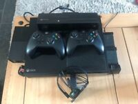 Microsoft Xbox One & Kinect, 21 games, 2 Controllers. microphone, dual charger and all cables