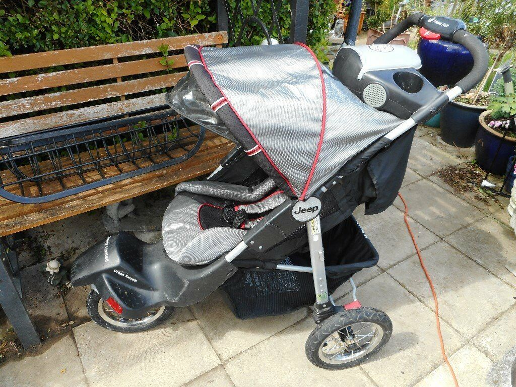 jeep three wheel strollerin Cambridge, CambridgeshireGumtree - jeep three wheel stroller seat reclines sorry no rain cover ideal as second stroller