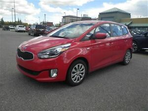 2014 Kia Rondo 6 Speed  Great ON GAS  LOW KM