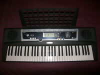 Yamaha YPT210 , YPT 210 61 Keys Keyboard Arranger with 375 delsInstrument Voices , Drum Kits , MIDI