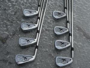 SET DE 8 FERS FORGÉS CALLAWAY X FORGED GAUCHER TIGES EN ACIER PROJECT X 5.0 FLIGHTED PRESQUE NEUFS