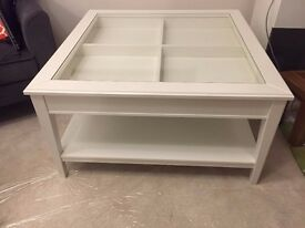 Brand new Coffee Table in white colour for sale