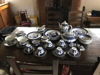 Royal doulton booths old willow dinner/tea service
