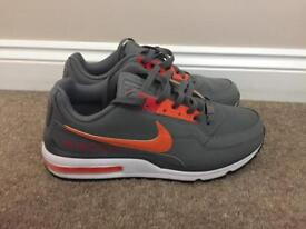 Nike air max size 9:5 in gray and orange