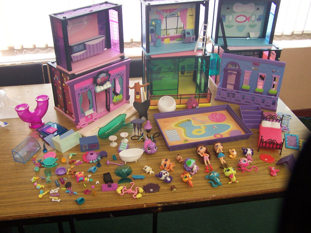The Littlest Pet Shop lots of style sets, swimming pool and accessories great job lot