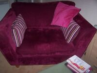 VERY VERY COMFY 2 PIECE SUITE- 3 SEATER COUCH/SETTEE 1 CHAIR (CUDDLE)
