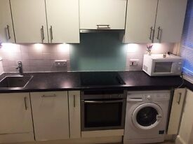 A Newly refurbished One Bedroom Flat located in Glendower Mansions in Zone 2