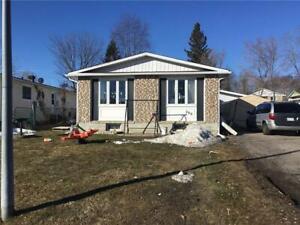 200 CECIL STREET Pembroke, Ontario