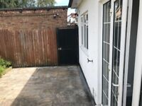 *** Stunning 1 Bed Flat with Private Graden in Mill Hill ***