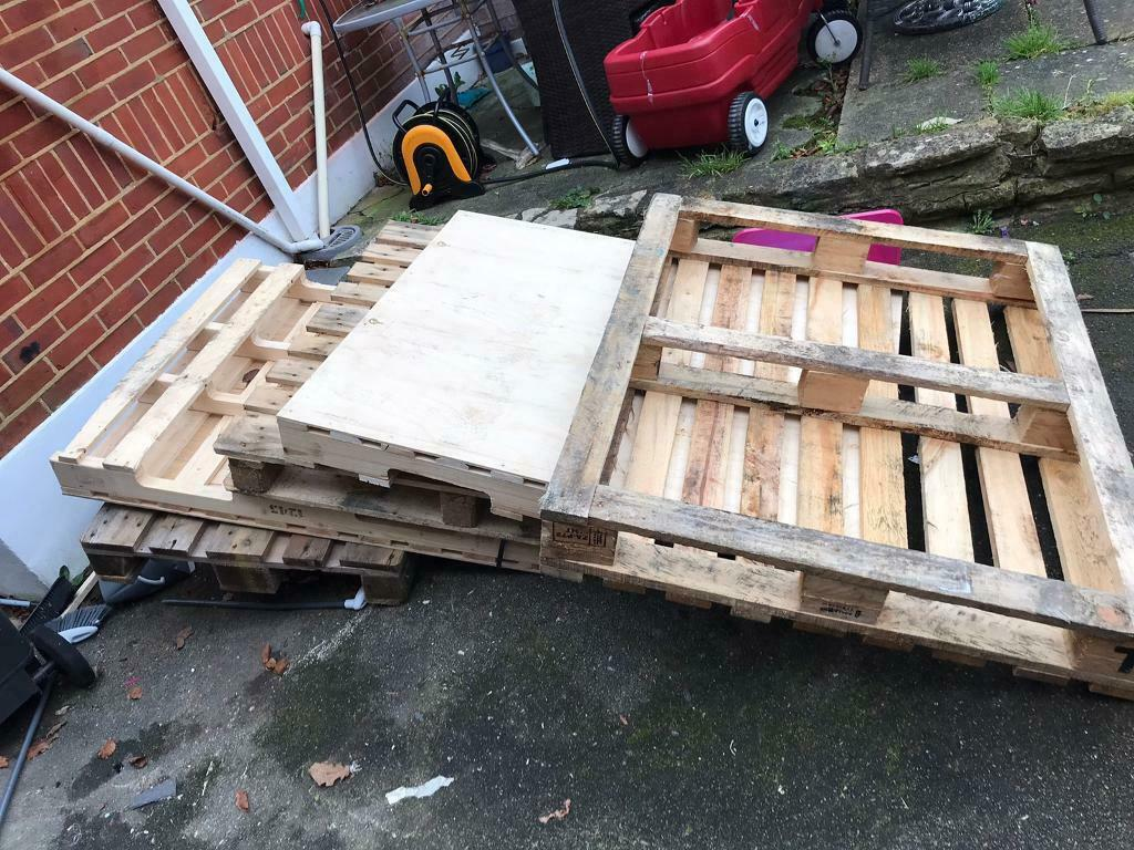 Free wooden pallets   in Bournemouth, Dorset   Gumtree