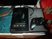 Xbox one 500 giga byte console with 1 controller USB plug and headset.Everything works perfectly