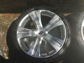 Range Rover 22 inch wheels and tyres