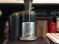 Breville JE8 850 watt Anthony Worrall Thompson 2-Speed Professional Juice Extractor/Juicer