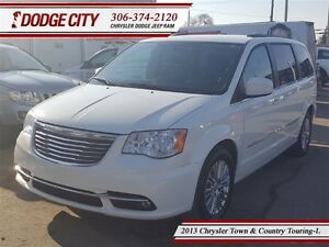 2013 Chrysler Town & Country Touring - L