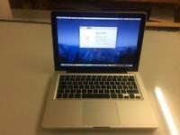 """Late 2011 apple MacBook Pro 13"""" 2.4ghz i5 4gb 500gb HD plus software and case"""