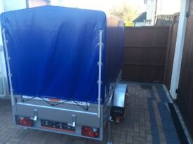 Covered trailer, 750kg, with extras
