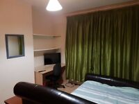 Short term stay double rooms for let in Eastville Bristol