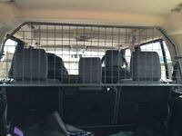 Land Rover Discovery dog guard