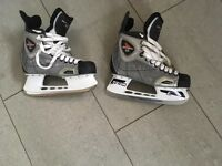 Ice Skate Boots CCM Vector 3.0 Boys Men Size U.K. 6 EU 39