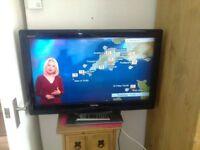 "Toshiba 32"" lcd widescreen tv"