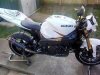 Suzuki gsxr streetfighter. One off custom race trackday