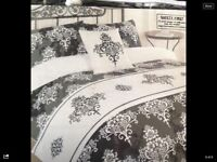 B/white single bed set
