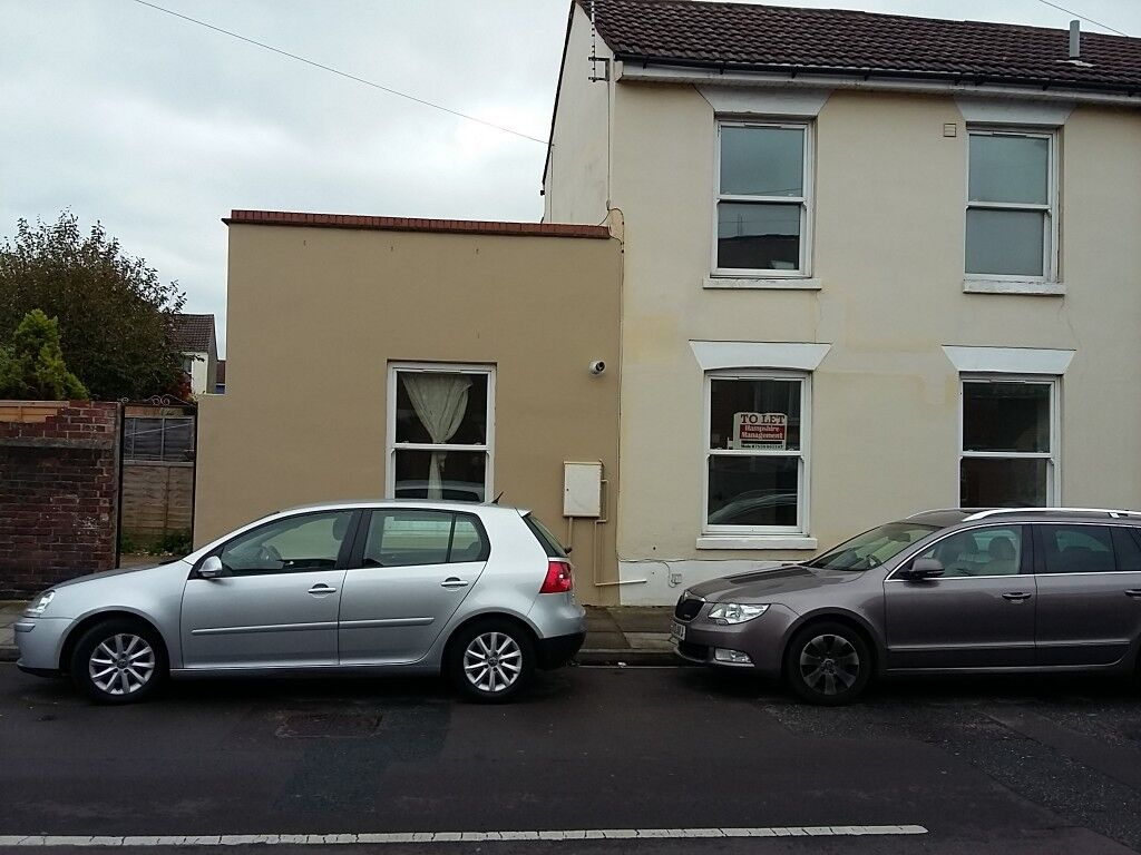 TWO BED HOUSE, EXMOUTH ROAD, SOUTHSEA £675 PCM