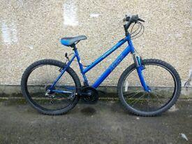 Ladies aluminium XC26 Apollo bike 21 gears (REF21) good on the hills and city