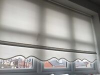 White roller blinds with beads full set