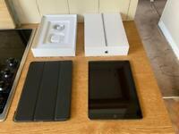 Apple iPad 8th gen 32GB WiFi boxed (immaculate)