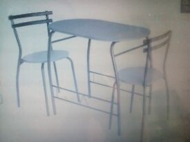 Dining set table and 2 small chairs