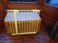 Baby Dan Pressure Fit Safety Gate - White