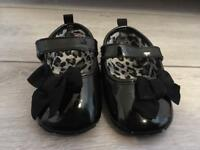 Black patent baby shoes 6-9 months *brand new*