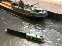 5 x 'N' gauge working Narrowboats in kit form on preprinted card, balsa & ply.
