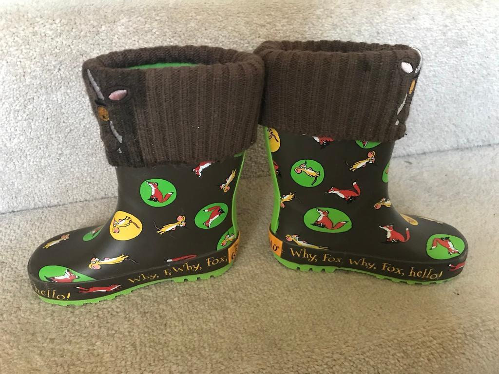 Boys toddler wellies sizes 6 and 7 2 Pairs