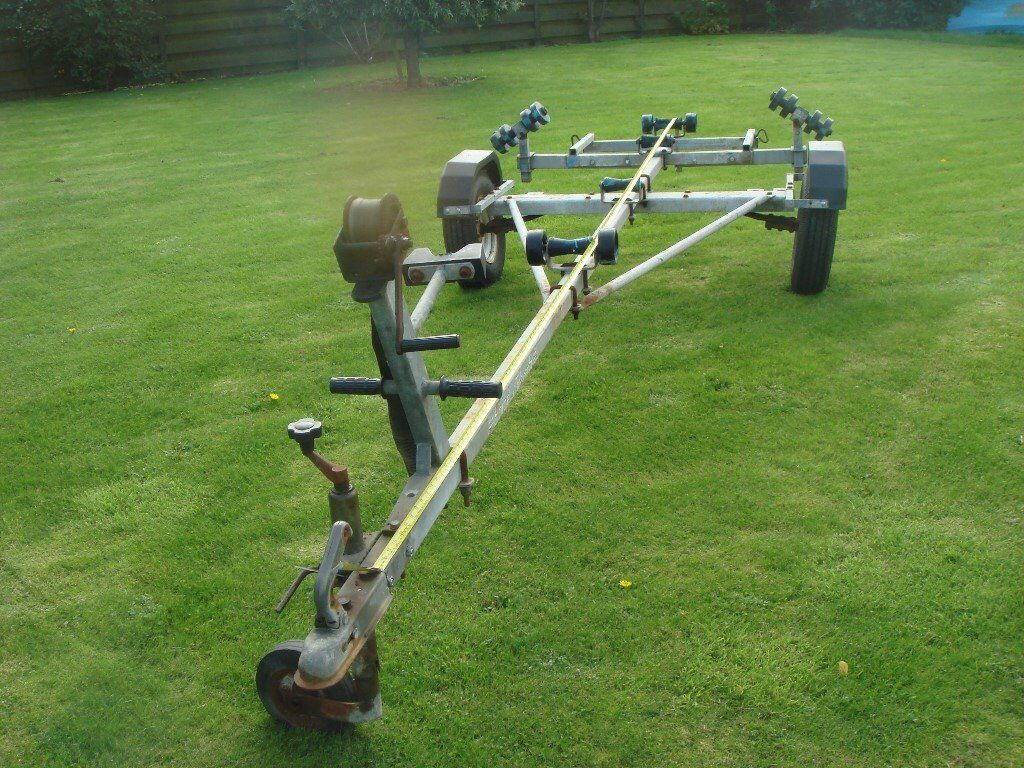 SNIPE T600 BOAT TRAILER 14 ft,multi roller, single axle,new tyres.